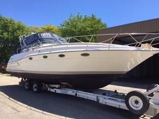 1994 Cruiser Yachts 3675