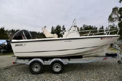2017 Boston Whaler 190 Outrage