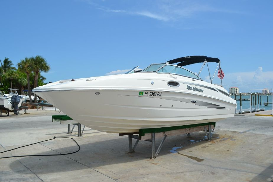 2011 Sea Ray 260 Sundeck Power Boat For Sale - www
