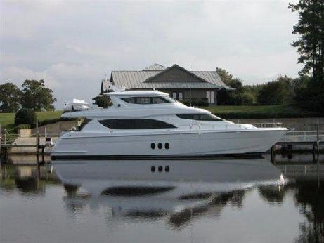2005 Hatteras Enclosed Bridge 80 MY