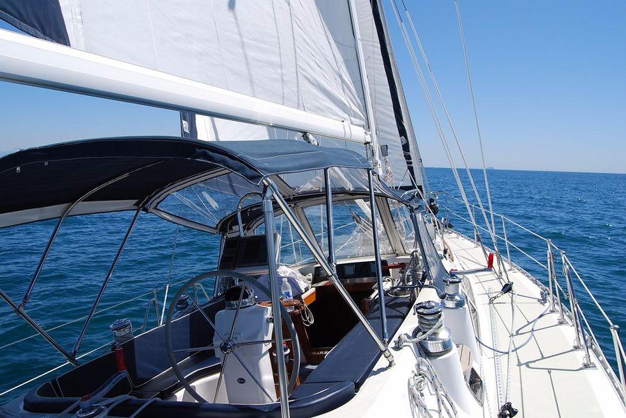 Hylas 46 Sailboat for sale in San Diego