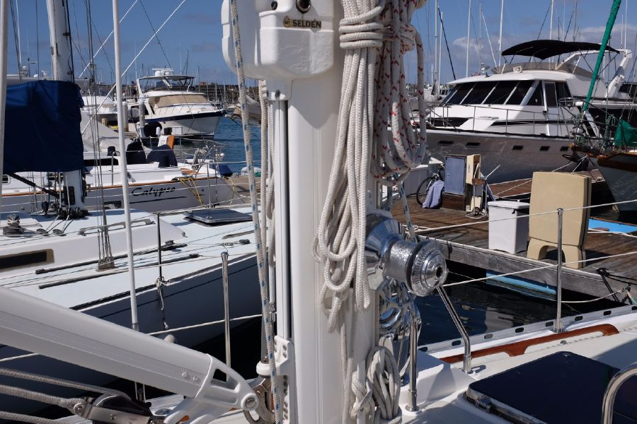 Hylas 46 Sailboat Rigging