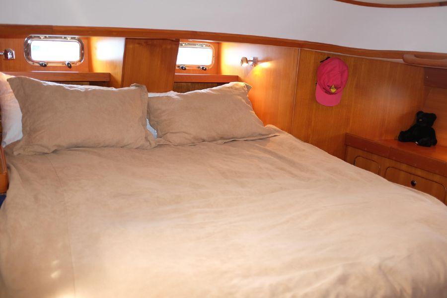 Hylas 46 Sailboat Master Bed