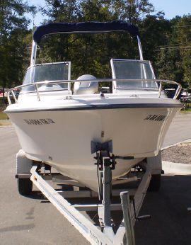 1999 Sea Hunt Escape 200