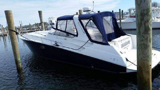 2009 Fountain 38 Express Cruiser