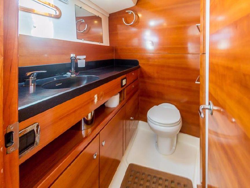 Alliaura Feeling F55 Sailboat Head Bathroom