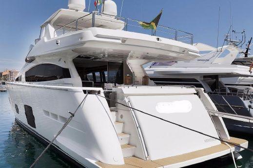 2012 Ferretti Yachts 80