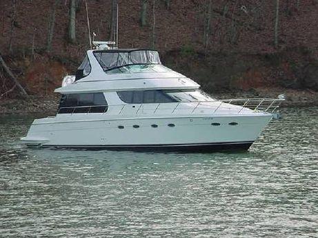 2001 Carver 5300 Voyager