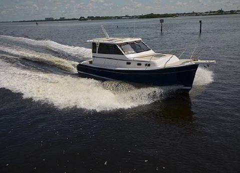 2014 Mainship Pilot 32