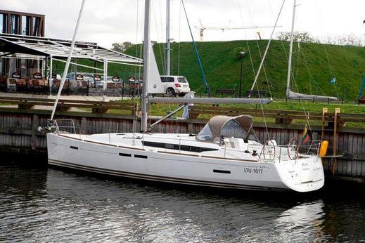2012 Jeanneau Sun Odyssey 439