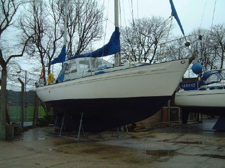 1974 Neptunian 33