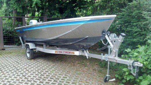 2013 Armstrong Marine 15' Skiff