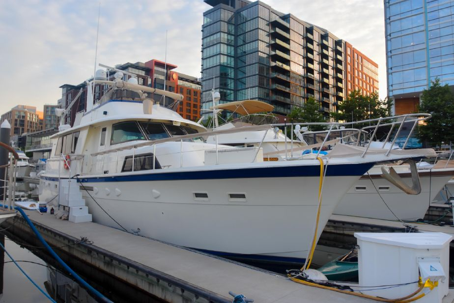 1985 Hatteras 53 Extended Deckhouse Motor Yacht Power Boat