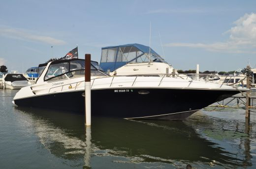 2004 Fountain 38 Express Cruiser