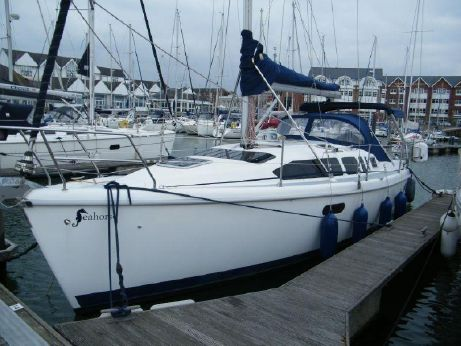 2000 Hunter Legend 340 Fin Keel
