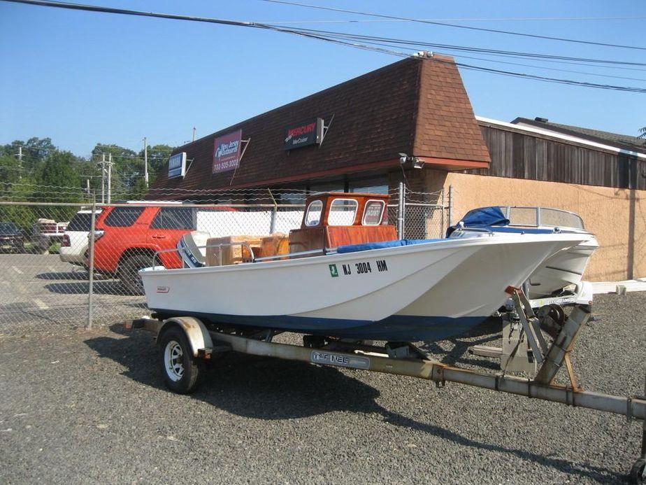 1968 Boston Whaler MONTAUK 17CC Power Boat For Sale - www