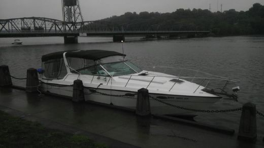 1983 Chris-Craft Commander