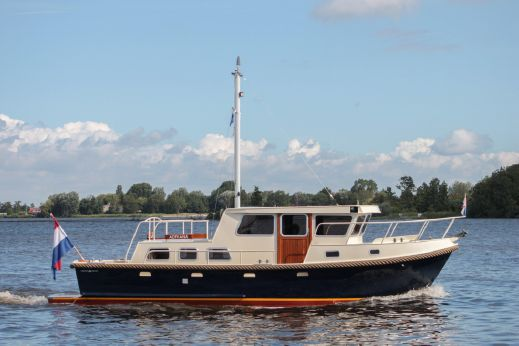 1992 Crown Trawler 10,50