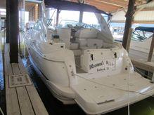 2000 Cruisers Yachts 3672 Express