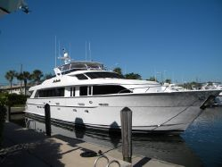 Pre-Owned 100' Hatteras Yacht
