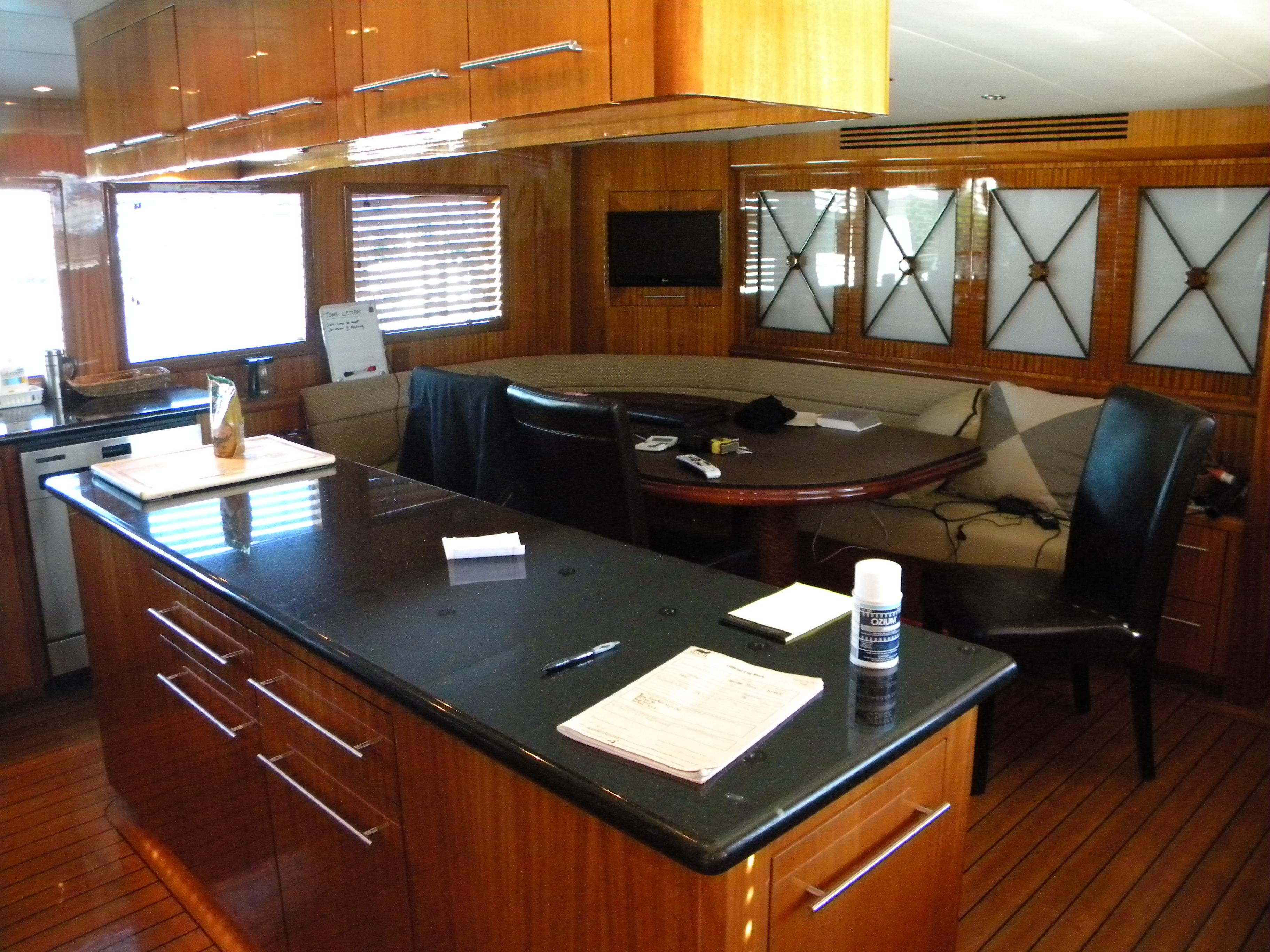Pre-Owned 100 Hatteras Yacht
