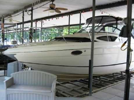 2005 Regal 3060 Express Cruiser