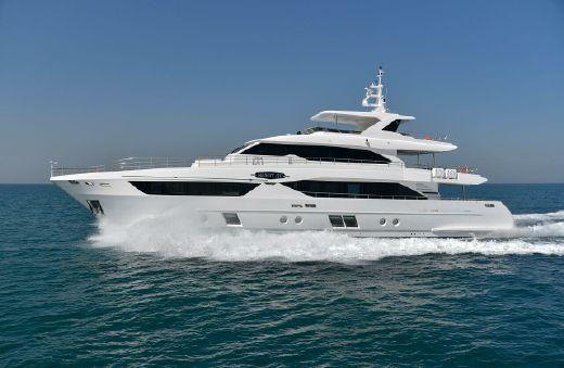 2018 Majesty Yachts Majesty 110