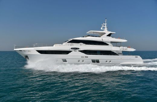 2017 Majesty Yachts Majesty 110