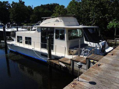 1984 Holiday Mansion Barracuda 36'