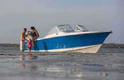 2015 Sea Hunt ESCAPE 235 SE