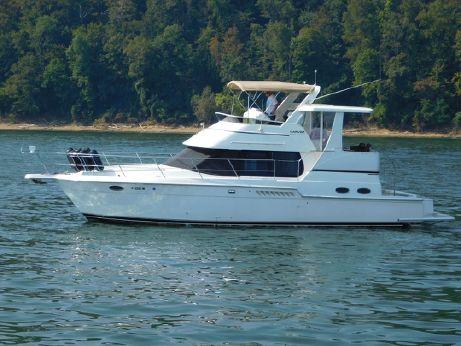 2000 2000 Carver 404 Motor Yacht