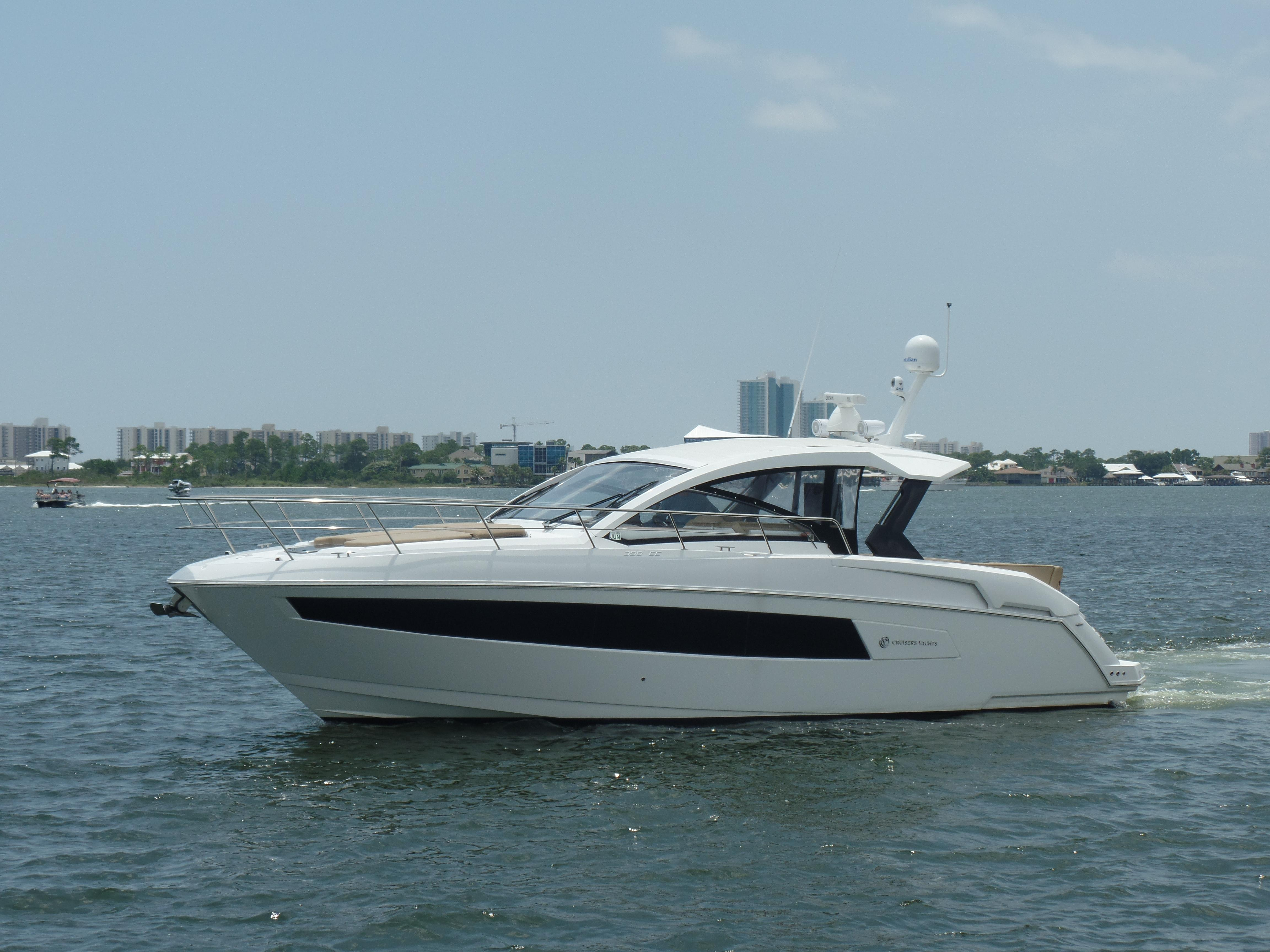 2015 Cruisers 39 Express Coupe Power Boat For Sale Www