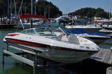 2005 Crownline 226 LS