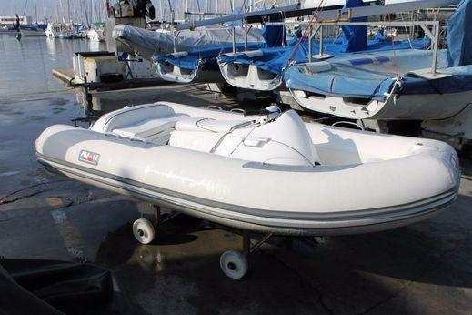 2005 Avon SEASPORT 320 JET