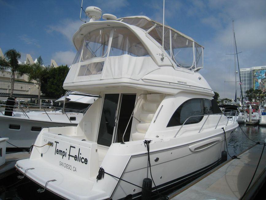 Meridian 381 Sedan Bridge Yacht for sale in San Diego