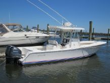 2006 Regulator 32 Center Console FS