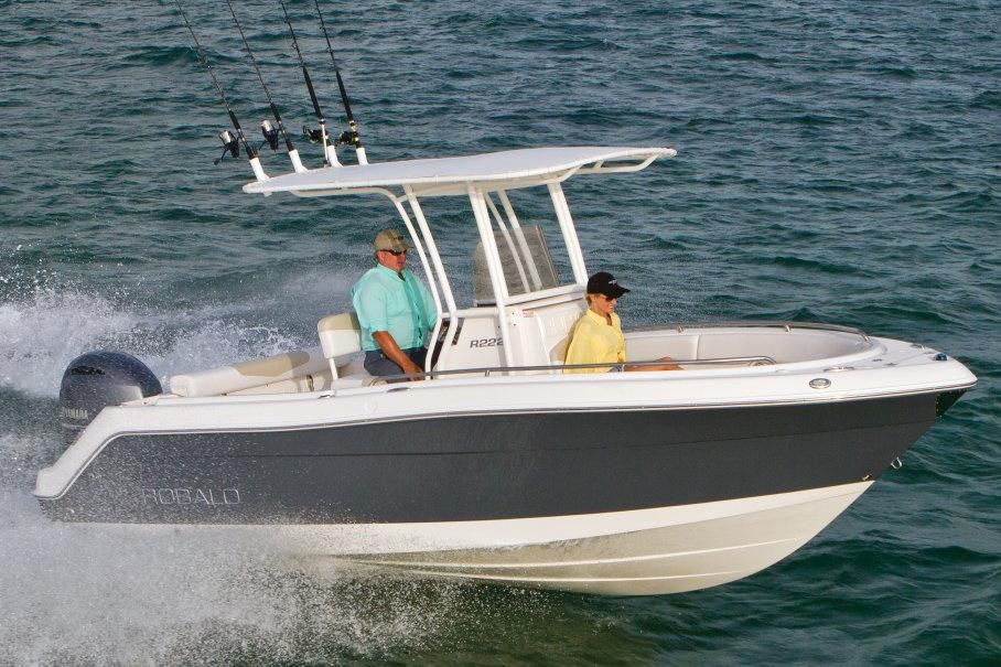 2017 robalo r222 center console power boat for sale www for Robalo fish in english