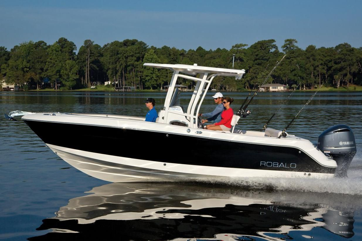 2017 robalo r242 center console power boat for sale www for Robalo fish in english