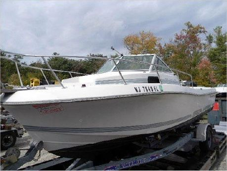 1988 Chris-Craft 215 Sea Hawk