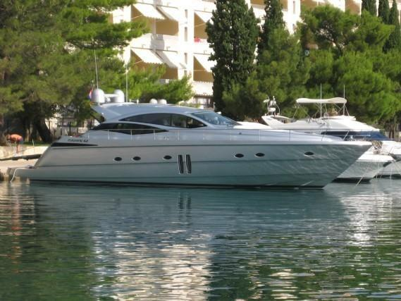 Used Pershing Yachts