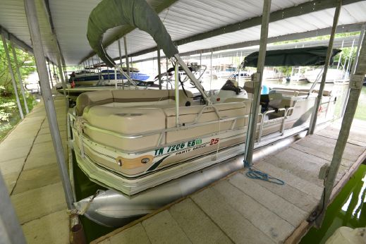 2000 Tracker Sun Tracker Pontoon Party Barge