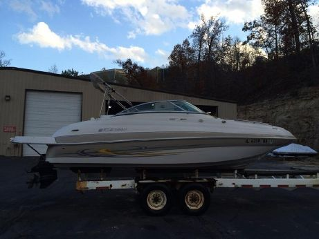 2006 Four Winns 224 Funship with Trailer