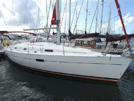 2002 Beneteau Oceanis Clipper 361 Electric Winches