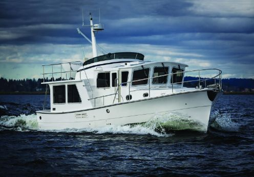 2017 Helmsman Trawlers 38E Pilothouse