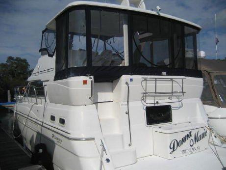 1999 Cruisers Yachts 3750 Motor Yacht