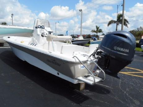 2018 Nauticstar 2140 Sport Bay Center Console