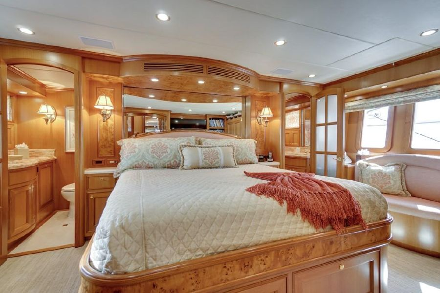 Offshore 76 Master Bedroom