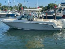 2019 Boston Whaler 230 Vantage