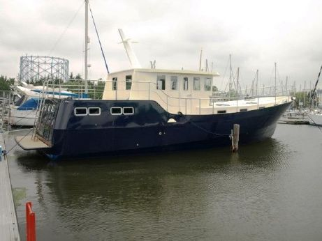 2013 Houseboat Steel Trawler