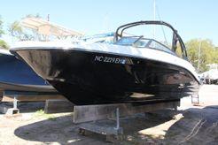 2018 Sea Ray SPX 230 OB